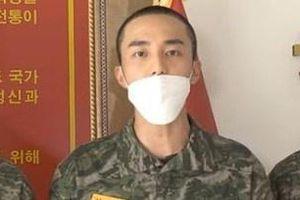 Roy Kim gầy gò sau cáo buộc tham gia nhóm chat