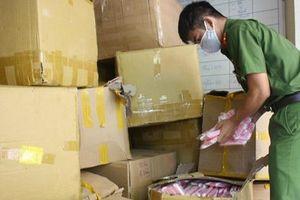 Đà Nẵng: Tạm giữ hơn 18.000 khẩu trang y tế không rõ nguồn gốc xuất xứ