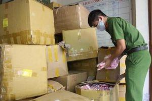 Tạm giữ hơn 18.000 khẩu trang y tế không có hóa đơn chứng từ