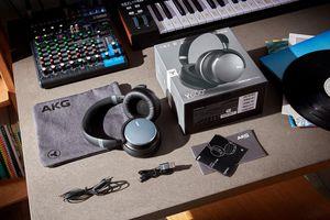 Samsung ra mắt tai nghe chống ồn chủ động AKG Y600 NC và AKG Y400, giá từ 195 USD