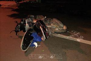 Ô tô va chạm xe máy tại Buôn Ma Thuột khiến hai mẹ con tử vong