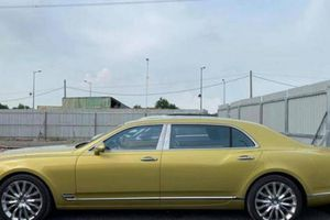 Bentley Mulsanne EWB Julep cập cảng Việt Nam, giá lăn bánh gần 50 tỷ đồng