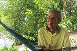Ông Tám Ý xứ dừa và 40 năm bảo bọc học trò nghèo