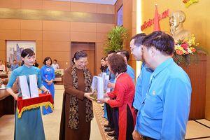 Phó Chủ tịch Thường trực Quốc hội Tòng Thị Phóng gặp gỡ cán bộ chủ chốt Công đoàn Thủ đô