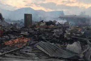 Cháy chợ Ka Rôn: 57 ki-ốt bị thiêu rụi, thiệt hại 14 tỷ đồng