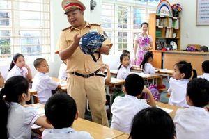 Lồng ghép an toàn giao thông trong giảng dạy chính khóa