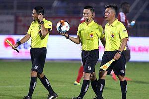 Kỷ luật tổ trọng tài trận CLB thành phố Hồ Chí Minh thua Hà Nội FC 0-3