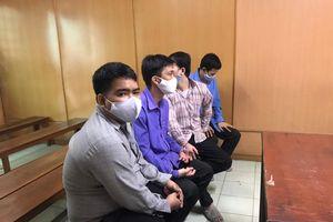 TPHCM: Nhóm sản xuất thuốc bảo vệ thực vật giả 'chia nhau' 27 năm tù