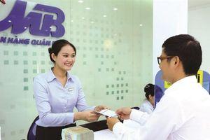 Tiền gửi khách hàng tăng trưởng âm, nợ xấu của MBB cũng lên cao