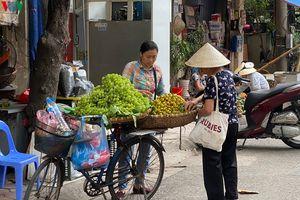 Dịch Covid-19 có nguy cơ bùng phát, nhiều người dân Hà Nội vẫn thờ ơ
