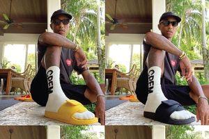 Pharrell Williams lộ ảnh dép adidas có 4 màu, ra mắt ngày 1/8
