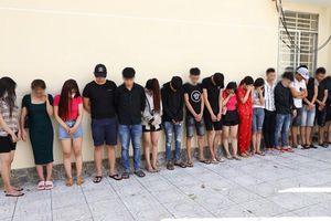 Công an Tây Ninh bắt quả tang 50 người dương tính với ma túy