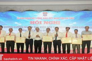 Vinh danh 28 tập thể, cá nhân điển hình trong đồng bào công giáo Hà Tĩnh