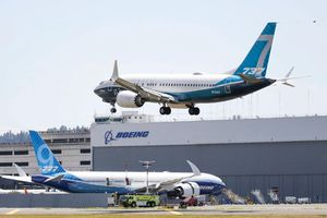 Boeing thua lỗ lớn, cân nhắc tiếp tục cắt giảm nhân viên