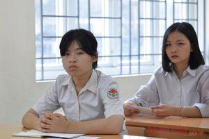 Đang họp xét duyệt điểm chuẩn trúng tuyển vào lớp 10 của Hà Nội