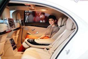 Cận cảnh chiếc Mercedes-Benz hơn 5 tỷ đồng Hiền Hồ mới tậu ở tuổi 23