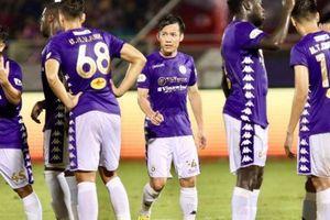 Bóng đá Việt Nam nguy cơ 'vỡ trận' vì Covid-19