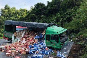 Hòa Bình: Xe tải đâm xe khách, nhiều người hoảng loạn