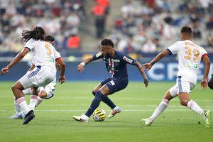 Neymar im tiếng trong ngày PSG giành cú ăn ba danh hiệu