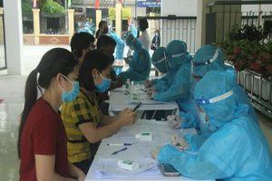 COVID-19: Đội đặc nhiệm của Bộ Y tế làm việc xuyên ngày đêm