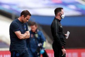 Lampard thừa nhận bó tay với Chelsea