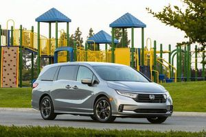 Honda Odyssey 2021 từ 32.910 USD, thêm công nghệ Sensing mới