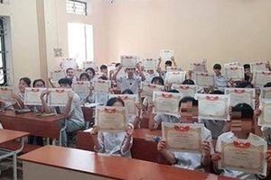 Siết chặt tình trạng tặng giấy khen tràn lan trong học sinh phổ thông