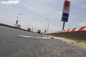 Vì sao mặt cầu Thăng Long dùng vật liệu làm đường đua xe F1 để sửa chữa?