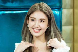Netizen có quá khó tính khi chỉ trích Jeon Somi vì 'sống thật' trên show truyền hình?