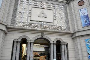 Soi tài chính Parkson trước khi bán TD Plaza 10 triệu đôla