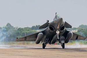 Chiến đấu cơ Trung Quốc có đấu được các tiêm kích Rafale Ấn Độ mới mua từ Pháp?