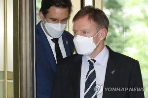 Hàn Quốc triệu hồi khẩn nhà ngoại giao bị tố quấy rối tình dục ở nước ngoài