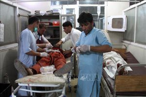 Hàng loạt vụ nổ bom bên ngoài nhà tù ở thành phố Jalalabad, Afghanistan