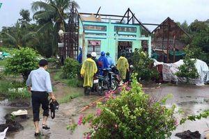 Hàng trăm căn nhà bị sập, tốc mái do mưa dông ở Hậu Giang, Kiên Giang