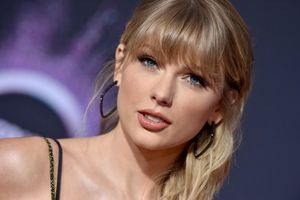 Chiếm #1 Hot 100, Taylor Swift còn là nghệ sĩ đầu tiên trong lịch sử làm được điều này