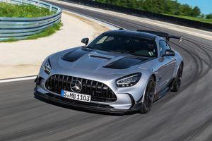Mercedes-AMG GT Black Series đắt hơn siêu xe của Porsche và Ferrari