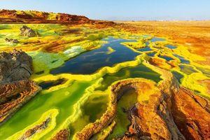 Vẻ siêu thực ở nơi nóng nhất trên Trái Đất có người sinh sống