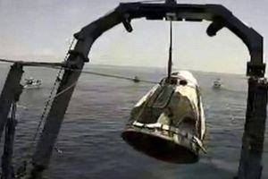 Phi hành đoàn tàu vũ trụ 'Crew Dragon' của Mỹ đã hạ cánh an toàn ngoài khơi Florida
