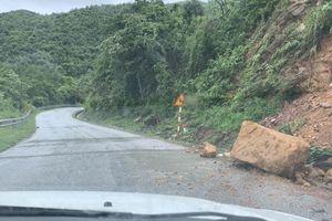 Khắc phục nhiều điểm sạt lở do mưa bão, đảm bảo giao thông trên QL279
