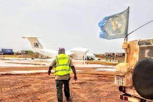 Máy bay Liên hợp quốc gặp sự cố, nhiều người bị thương