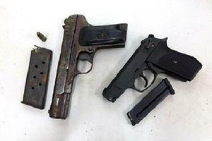 Bị truy tố vì nhặt được súng nhưng không giao nộp