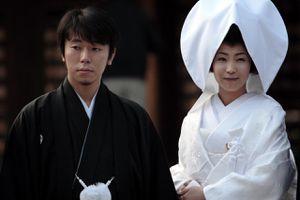 Dịch vụ thuê người phá hoại tình cảm giá 'cắt cổ' ở Nhật Bản