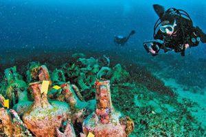 Ngắm hiện vật cổ ở bảo tàng dưới biển đầu tiên của Hy Lạp