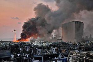 Hiện trường tan hoang sau vụ nổ kinh hoàng ở Beirut