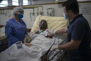 Thích dùng thuốc sốt rét trị COVID-19, tại sao Brazil vẫn chưa động đến 2 triệu liều Mỹ tặng?