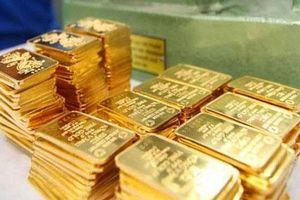 Giá vàng hôm nay (5/8): Thế giới vượt ngưỡng 2.000 USD/ounce