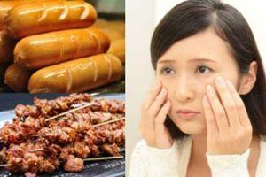 Những món ăn quen thuộc nhưng là 'thủ phạm' dễ khiến chị em chóng già, số 3 rất nhiều người thích