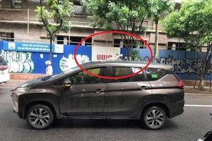 Nhà thầu UDIC thi công làm rơi thanh sắt xuyên nóc ô tô