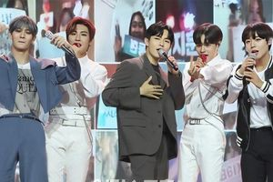 Khoảnh khắc fan mong chờ nhất nhì tại 'Golden Wave Concert': 5/11 mẩu Wanna One tay bắt mặt mừng hội ngộ tại encore
