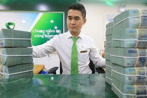 Nợ xấu ngân hàng phình to, 'bộ đệm' dự phòng có theo kịp?